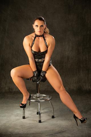 domina sara muscular mistress uk