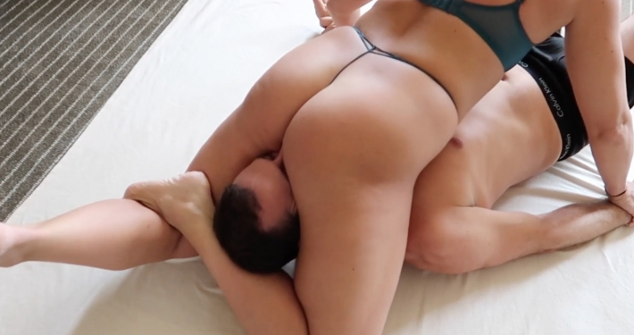 ass smothering video, female domination